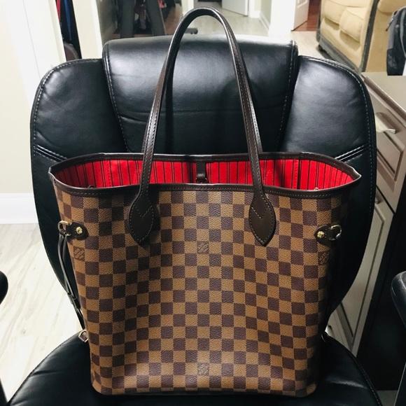 Louis Vuitton Handbags - Louis Vuitton Neverfull MM 2cb33f25c4